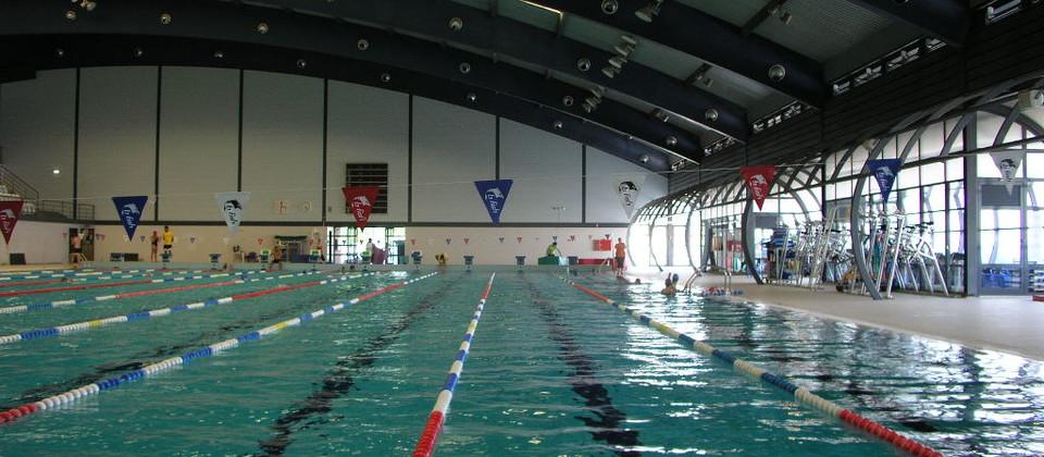 Complexo de piscinas eulisboa for Piscina universitaria